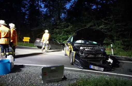 Zu viel getrunken: BMW-Fahrer rast in VW