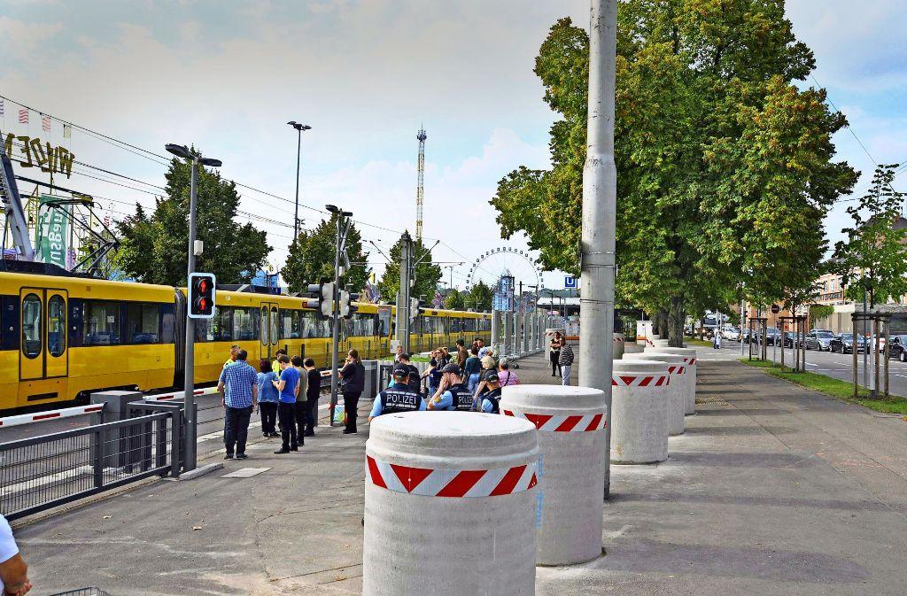In Stuttgart sucht man Ersatz für die seit 2016 aufgestellten Betonteile. Foto: Andreas Rosar