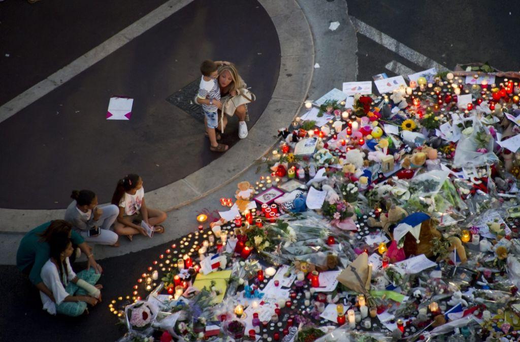 Trauer nach dem Terroranschlag in Nizza. Foto: EPA