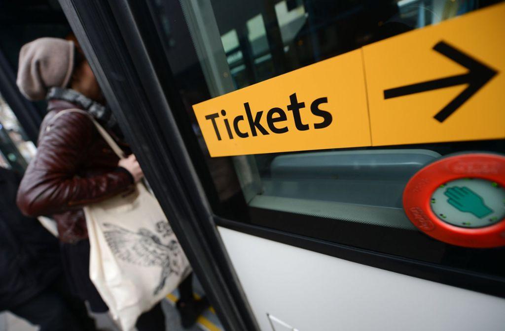 Es ist jetzt schon notwendig, dass die Tickets für Bus und Bahn günstiger werden. Foto: dpa