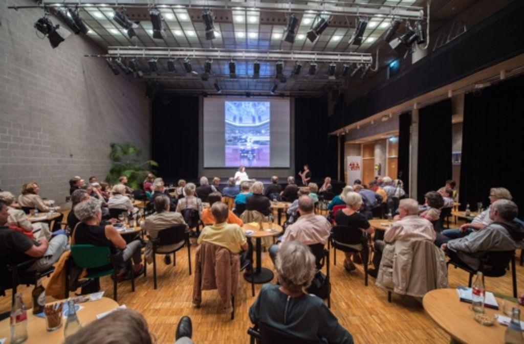 """Die Reihe """"StZ/ VHS direkt"""" findet  im Rotebühlzentrum statt. Foto: Martin Stollberg"""