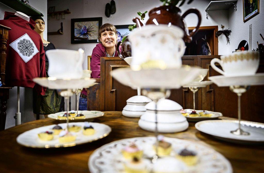 Ina Bühler verkauft Handgemachtes aus ausgedienten Dingen. Foto: /Gottfried Stoppel