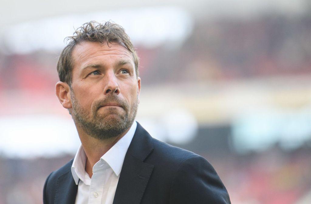 Markus Weinzierl und der VfB Stuttgart haben am Freitag Eintracht Frankfurt zu Gast. Foto: dpa