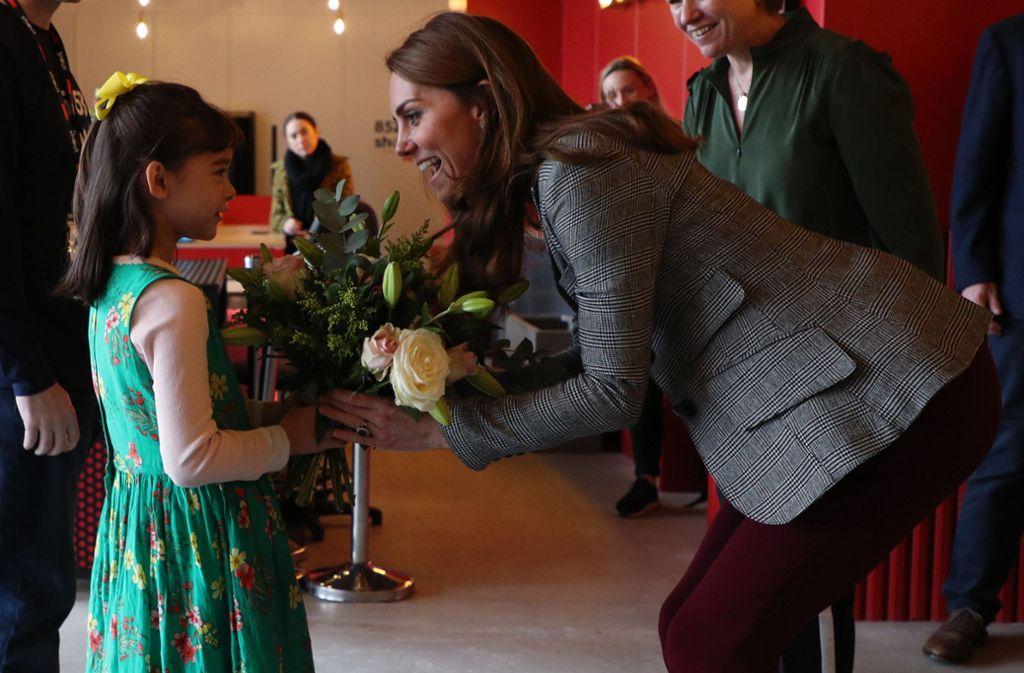 Der Karo-Blazer scheint zu Herzogin Kates Lieblingsteilen zu gehören. Foto: imago images/i Images