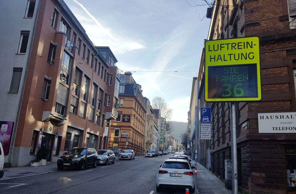 Die Tafel in der Immenhofer Straße erfasste  2,8 Millionen Fahrzeuge. Foto: Kathrin Wesely