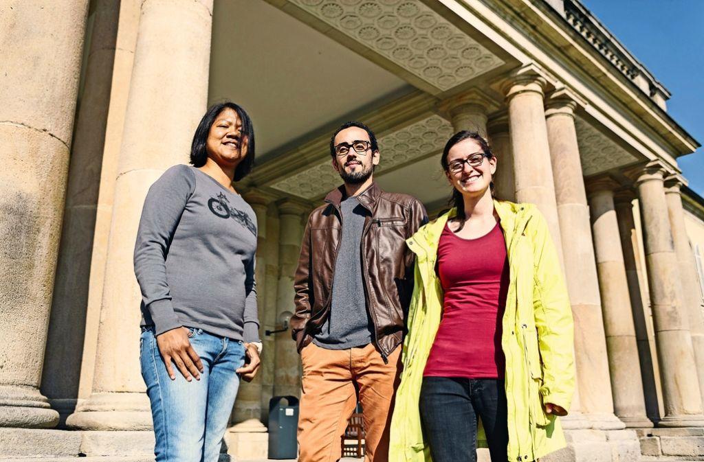 Jessie Lin (v.l.), Guilherme Amorim Franchi und  Asta-Vertreterin Sarah Graf studieren  an der Uni Hohenheim – und sind gegen Semestergebühren. Foto: Lichtgut/Verena Ecker