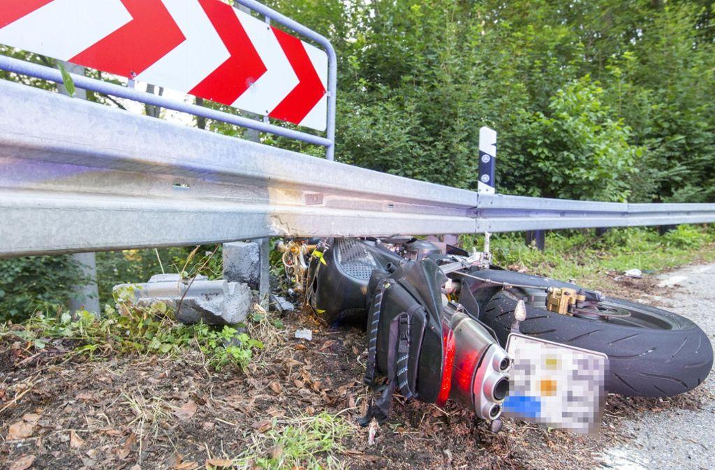 Bei einem Unfall bei Neuffen ist ein Motorradfahrer schwer verletzt worden. Foto: 7aktuell.de/Daniel Jüptner