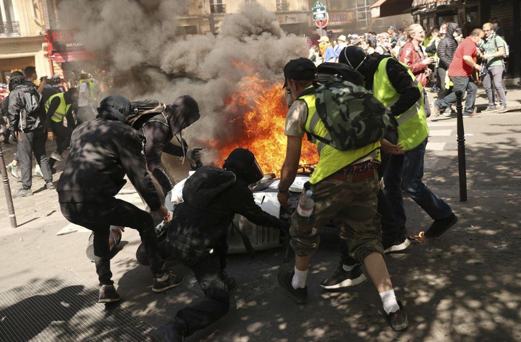 """Die """"Gelbwesten""""-Proteste finden seit fünf Monaten regelmäßig in Frankreich statt. Foto: AP"""