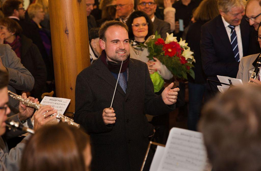 Nach seiner Wahl zum neuen Bürgemeister in Altbach hat Martin Funk gleich den Taktstock übernommen. Foto: Ines Rudel