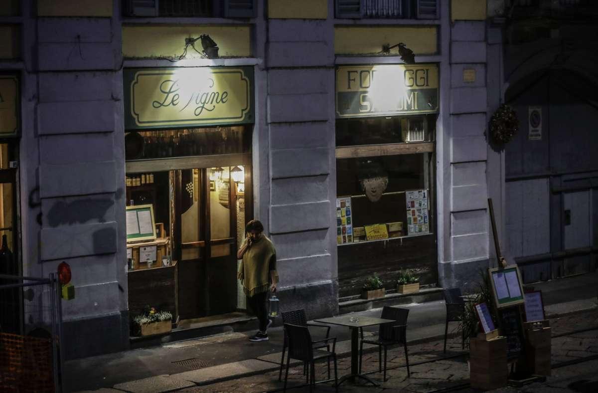In der Region Lombardei gelten ab Donnerstagabend nächtliche Ausgangsverbote für die rund zehn Millionen Bürger. Foto: dpa/Luca Bruno