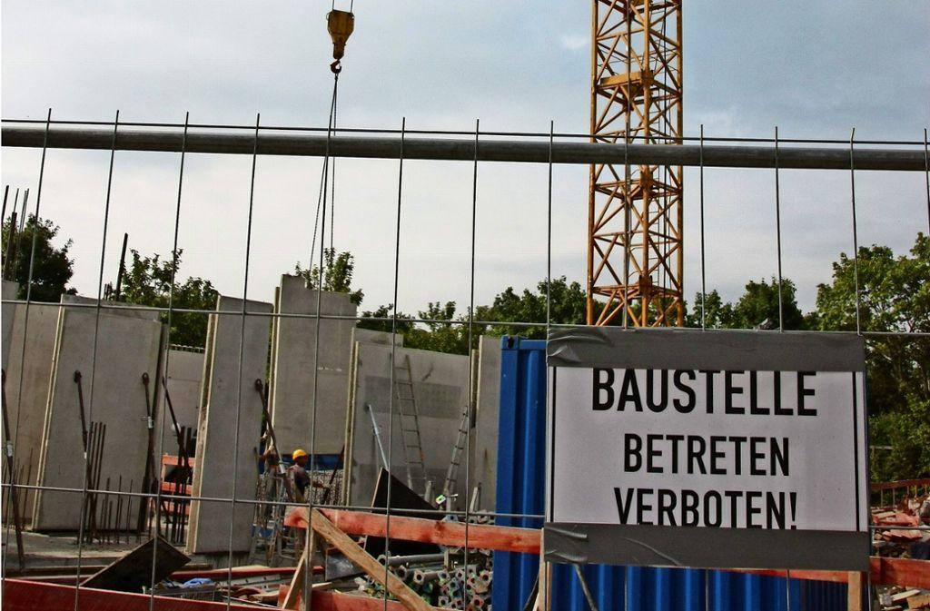 Gerade  herrscht emsiges Treiben an der Moschee-Baustelle in Oberaichen. Foto: z