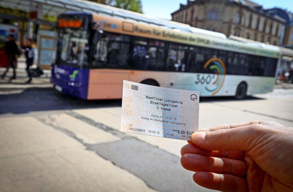 Ein Verkaufsschlager: Mehr als 200 000-mal wurde das Stadtticket verkauft, seit es in Ludwigsburg erhältlich ist. Nun wollen viele Kommunen nachziehen. Foto: factum/Simon Granville