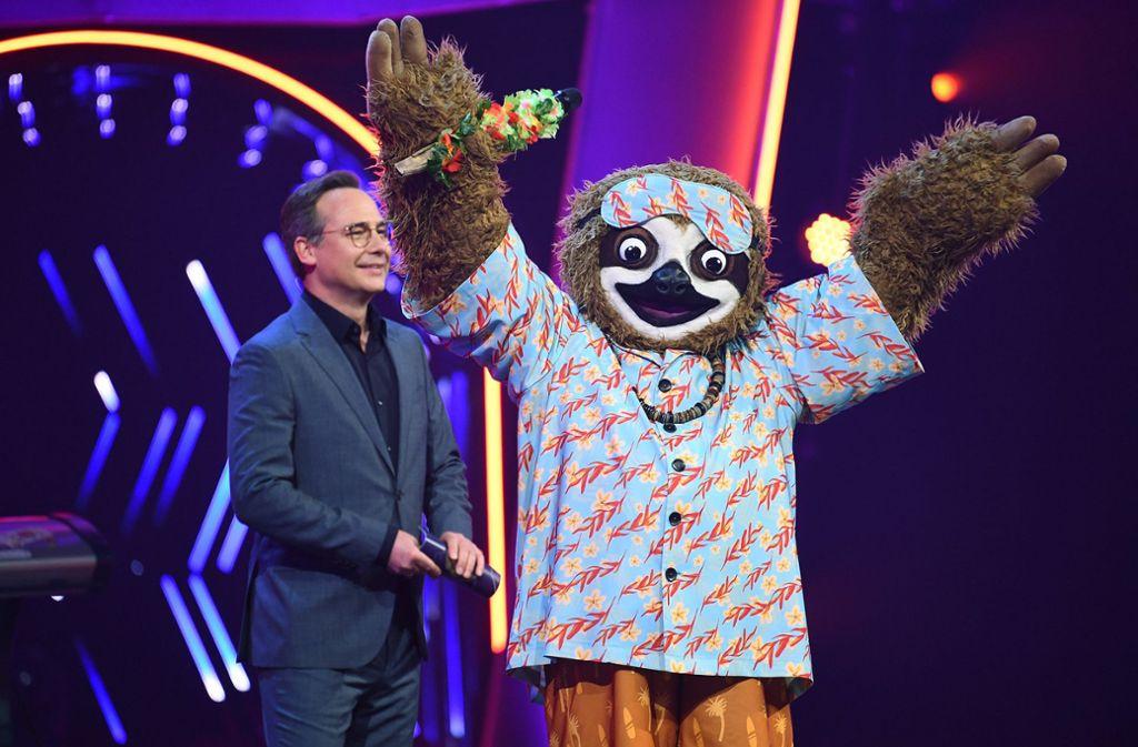 """Besonders um das Faultier ranken sich bei """"The Masked Singer"""" viele Spekulationen. Foto: dpa/ProSieben"""
