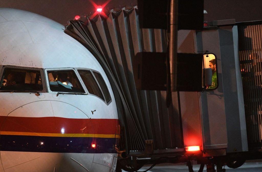 Ein Abschiebeflug kurz vor Weihnachten in Frankfurt Foto: dpa