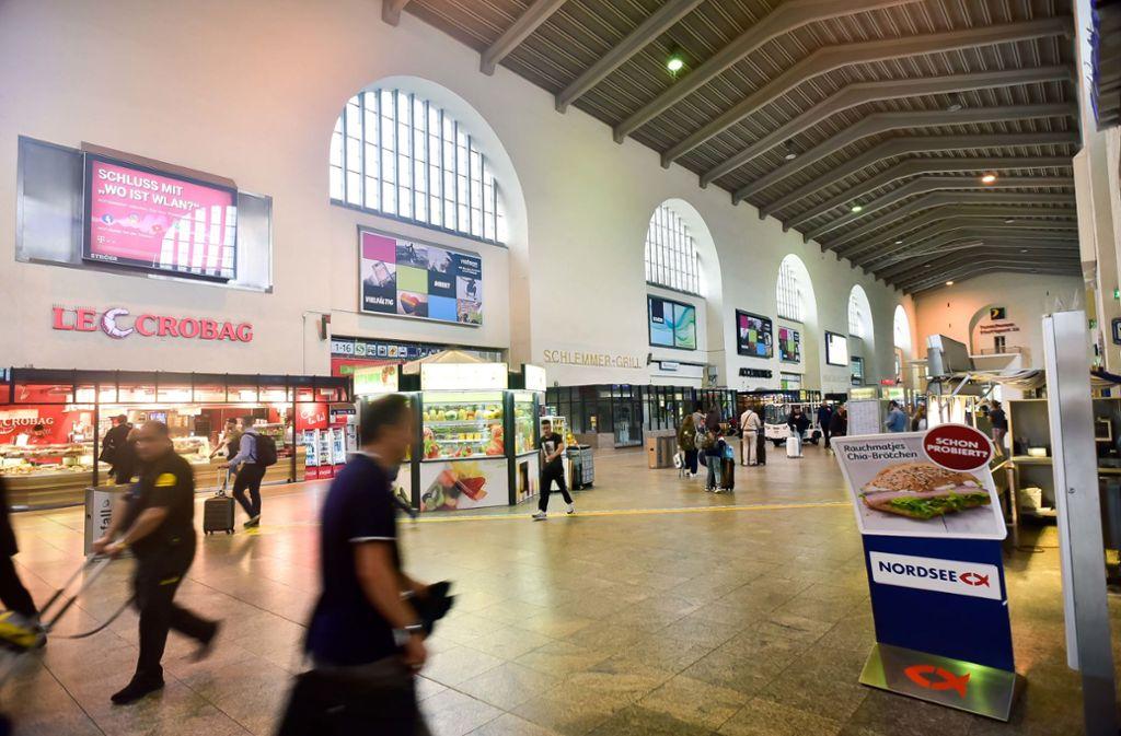 Die Geschäfte in der Bahnhofshalle schließen am Mittwoch. Foto: Lichtgut/Max Kovalenko