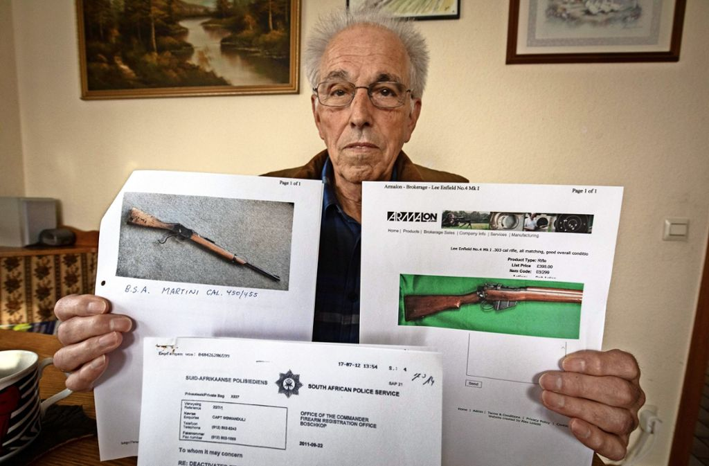 Siegfried Pohlmann besitzt nur noch Bilder von den  eingeschmolzenen Gewehren aus den Burenkriegen, Foto: Michael Steinert