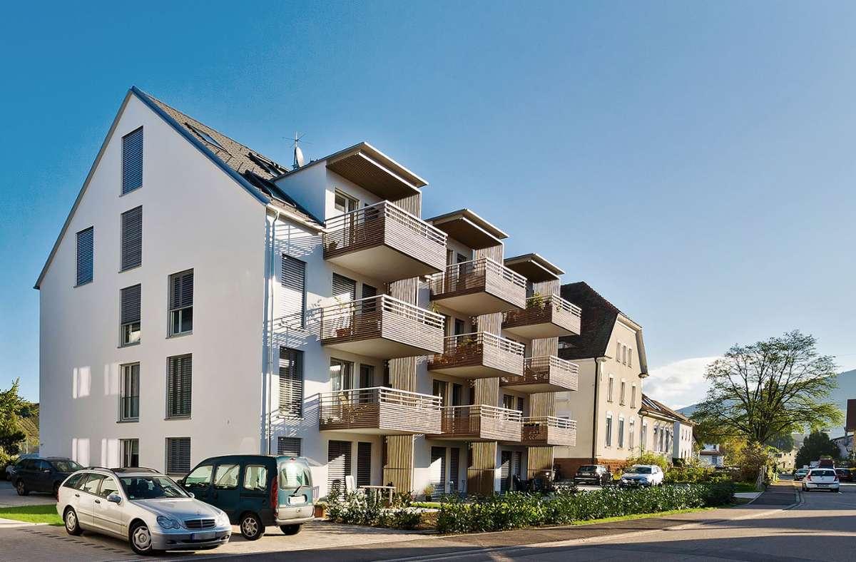 Wohnungsbau einer projektierten Baugemeinschaft in der Ortsmitte von Buchholz, einem Teilort der Stadt Waldkirch, mit zwölf Wohnungen. Rund 2450 Euro kostete der Quadratmeter Wohnfläche  im Schnitt. Foto: Markus Herb