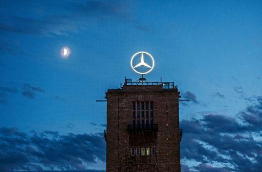 Mercedes-Stern muss den Umbauarbeiten am Bonatzbau weichen