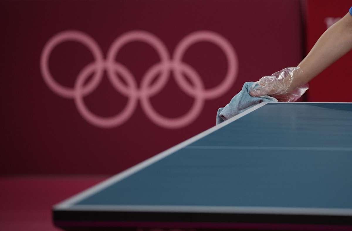 Trotz aller Hygienemaßnahmen hat  sich die Zahl der Coronafälle bei den Olympischen Spielen um 17 erhöht. Foto: dpa/Kin Cheung