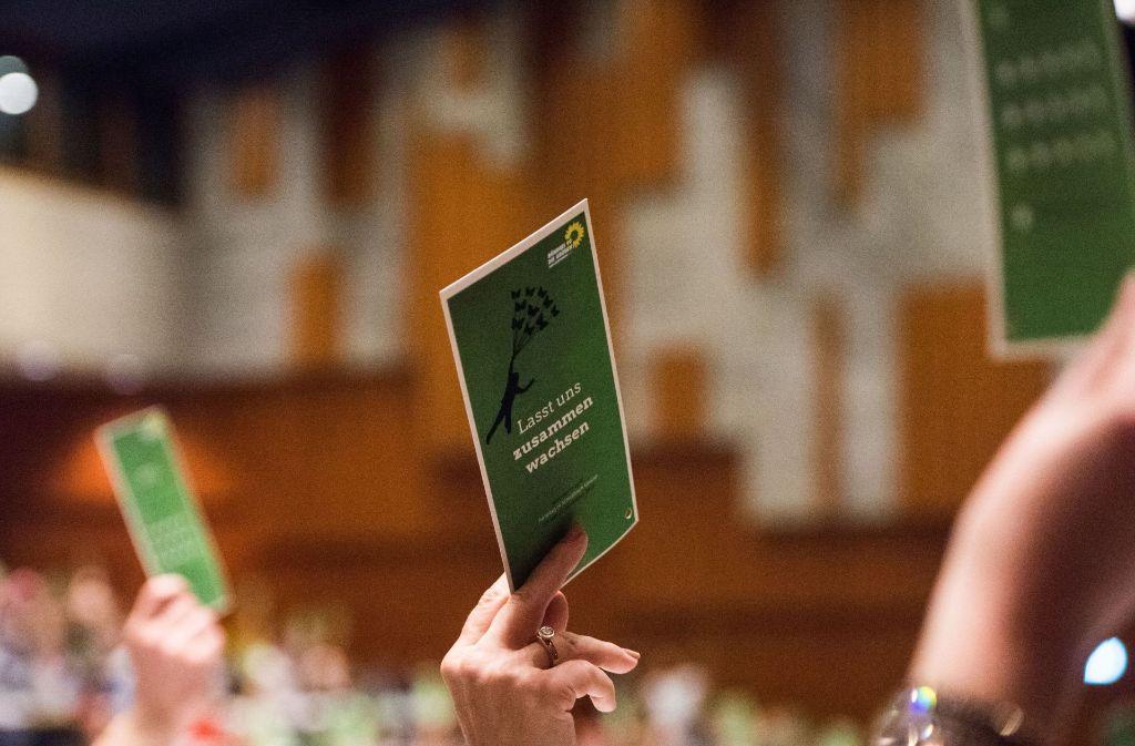 Abstimmung bei den Grünen auf dem Parteitag in Schwäbisch Gmünd: Auch AfD und FDP haben ihre Spitzenkandidaten für die Bundestagswahl benannt. Foto: dpa