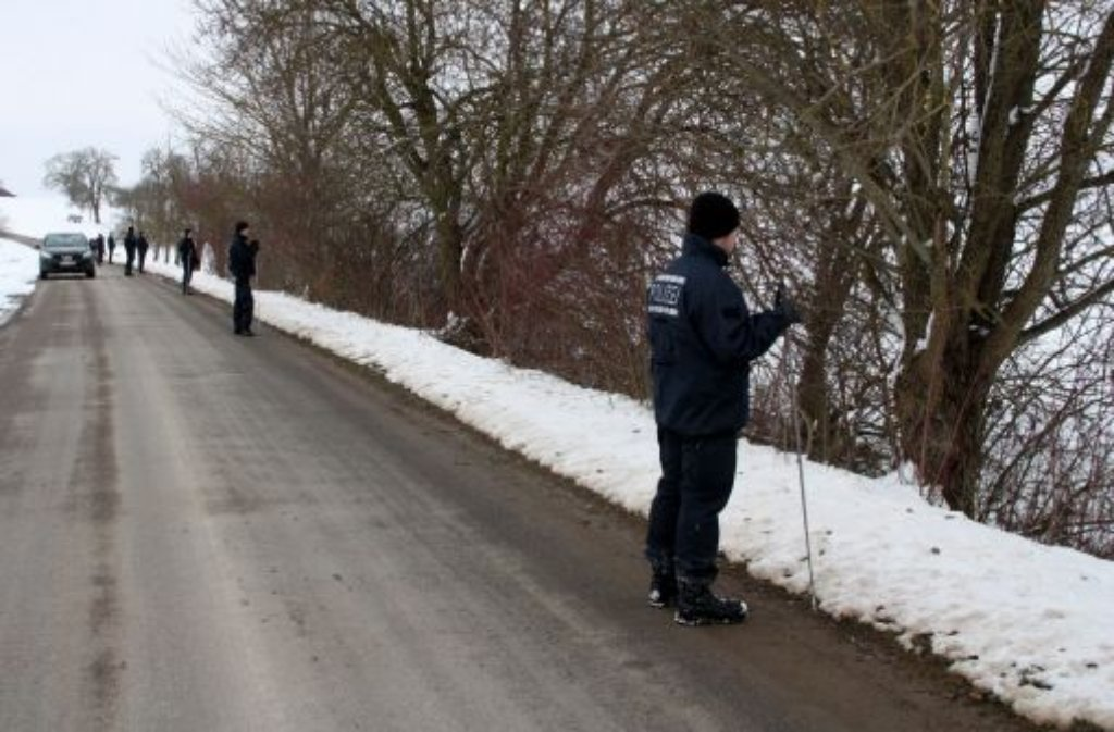 Rettungstaucher haben die Leiche eines vermissten 16-Jährigen am Montagabend in einem Baggersee bei Schemmerhofen (Kreis Biberach) entdeckt - Todesumstände weiterhin unklar. Foto: dapd