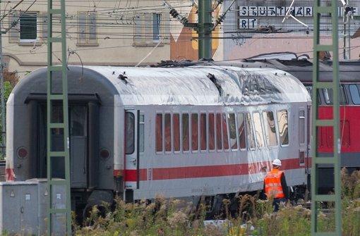 Ein Intercity ist am 29. September 2012 am Stuttgarter Hauptbahnhof entgleist. Bereits zwei Monate zuvor war es an der selben Stelle zu einem Zugunfall gekommen. Foto: dpa