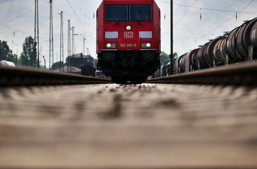 15-Jähriger stirbt bei Unfall mit Güterzug