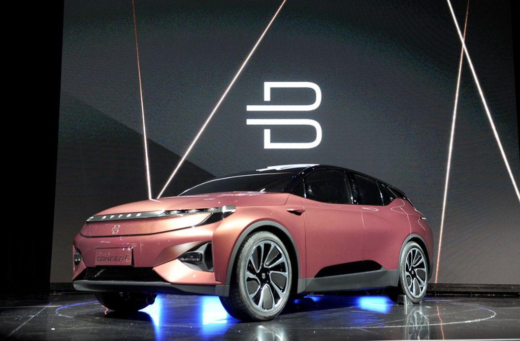 Der chinesische Autobauer Byton will mit diesem E-Fahrzeug die etablierten Konzerne herausfordern. Foto: dpa
