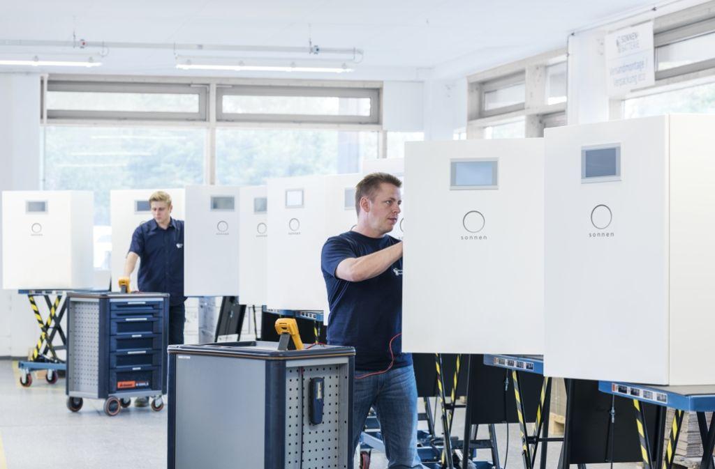 Speicherproduktion beim europäischen Marktführer Sonnen GmbH aus Bayern Foto: Firmenfoto