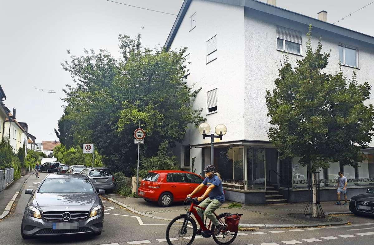 An der Ecke Bahnhofstraße und Hauffstraße –  genau gegenüber der Wohncity –  soll ein neues, dreigeschossiges  Gebäude errichtet werden. Foto: Dirk Herrmann
