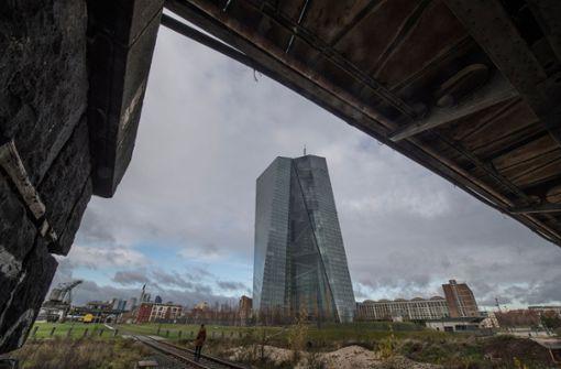 EZB stellt Anleihe-Großeinkauf zum Jahresende ein