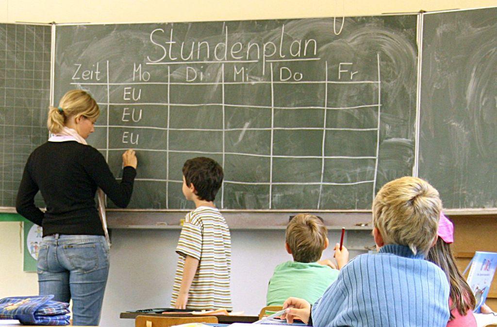 Vor allem an Grundschulen fehlen Lehrer. Foto: dpa