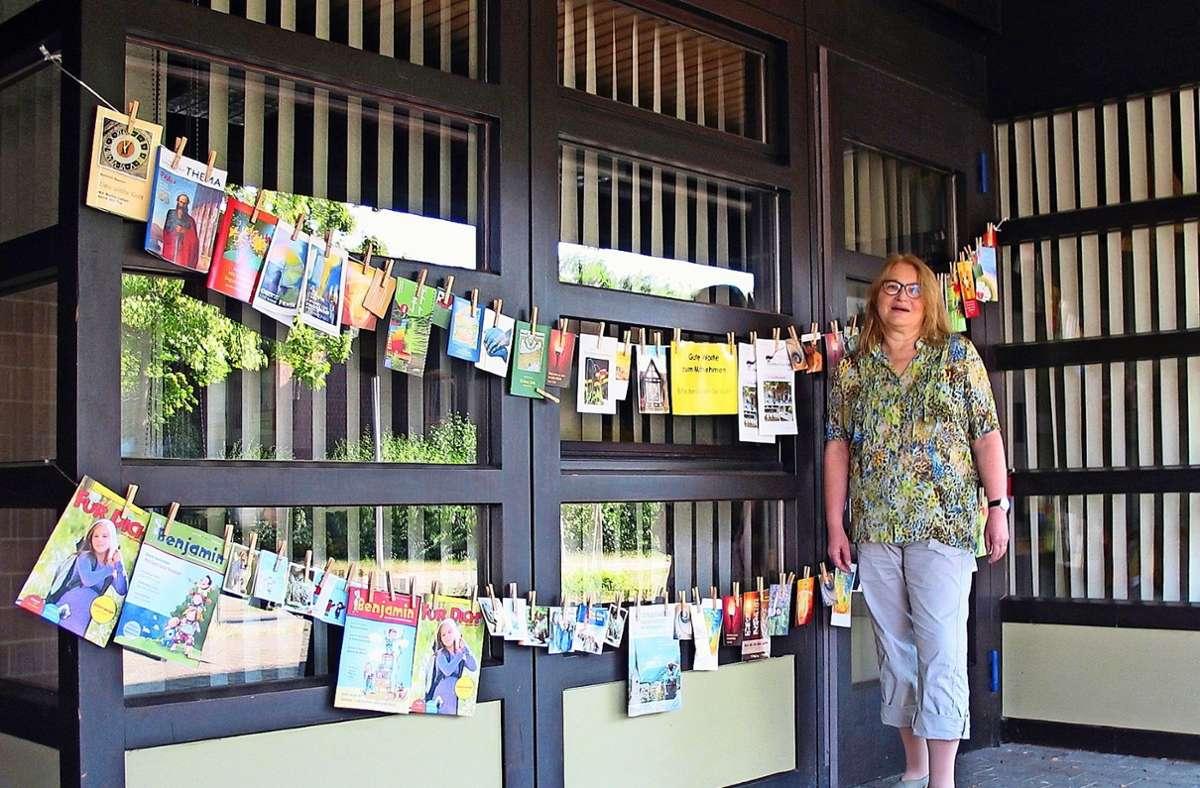 Pfarrerin Barbara Reiner-Friedrich verabschiedet sich mit  guten Worten zum Mitnehmen von ihrer Gemeinde. Foto: /Susanne Müller-Baji
