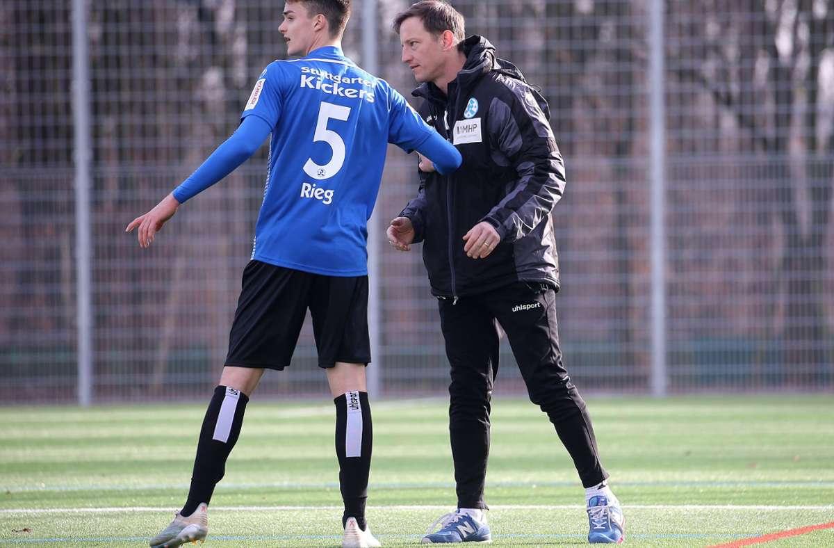 Fast auch ein Neuzugang: Theo Rieg (li.) kam im Winter zum Team von Trainer Ramon Gehrmann, hatte aber keinen Pflichtspieleinsatz. Foto: Baumann