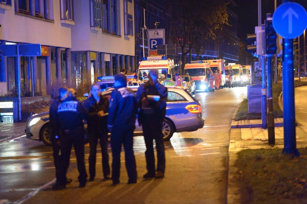 Nach der tödlichen Messerstecherei zwischen zwei Rockerbanden kurz vor Heiligabend in Esslingen sitzen mittlerweile 15 Verdächtige in Haft. Ein 22-Jähriger war gestorben. Foto: www.7aktuell.de/Eyb