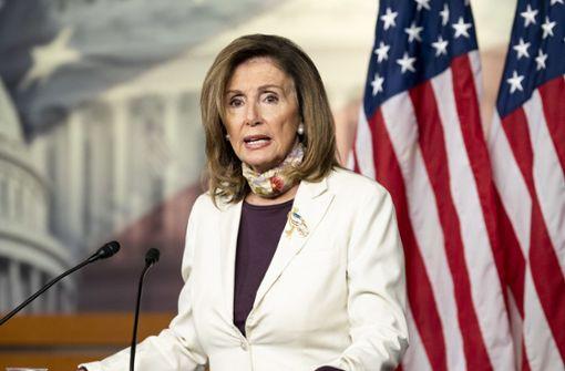 Pelosi ruft Abgeordnete aus Sommerpause zurück