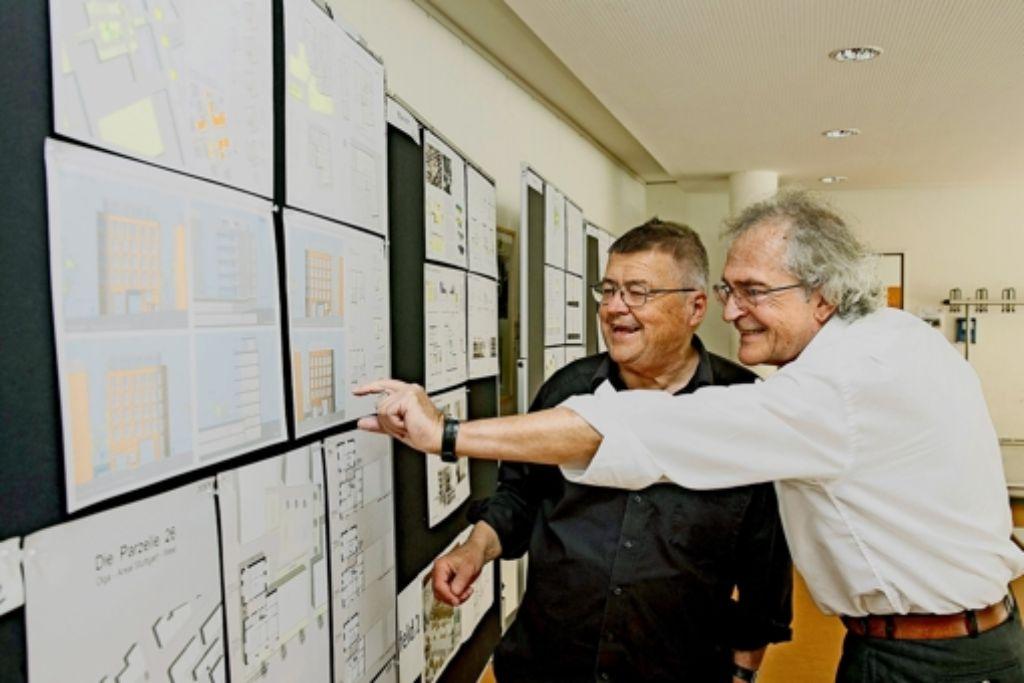 Bürgermeister Matthias Hahn   (li.) und Jurymitglied Wolfgang Schwinge Foto: Lg/Piechowski