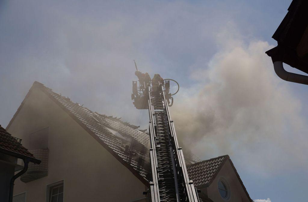 In Deggingen hat ein Dachstuhl gebrannt. Foto: SDMG