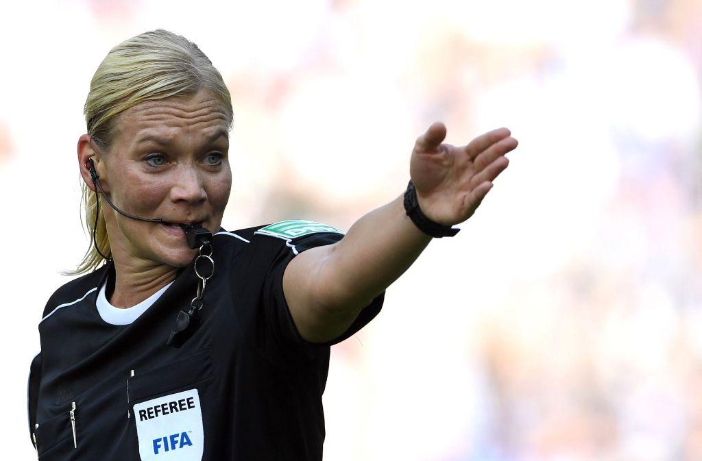 Bibiana Steinhaus ist Weltschiedsrichterin des Jahres 2017 Foto: dpa