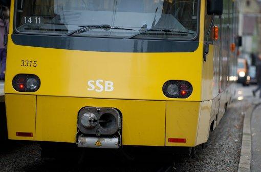 Bagger bremst Stadtbahnlinie U12 aus