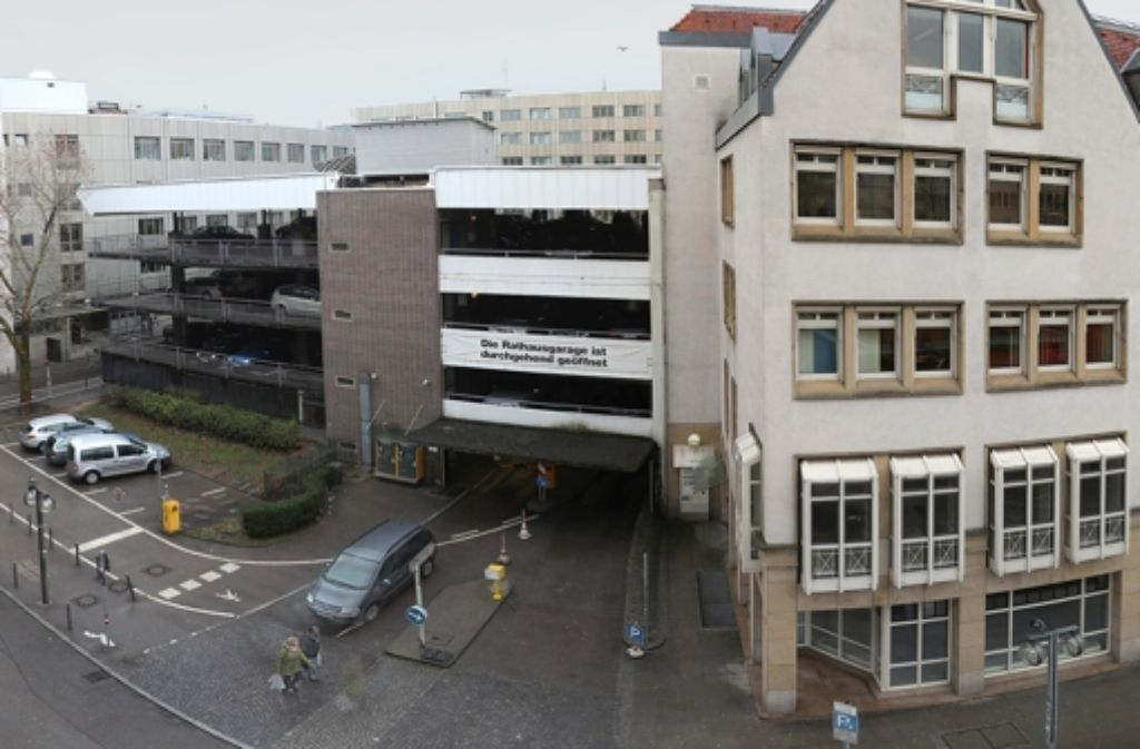 Sowohl 2009 als auch 2011 war der Neubau der   Rathausgarage mit großer Mehrheit beschlossen, dann aber wegen der angespannten Haushaltslage nicht realisiert worden. Foto: Achim Zweygarth