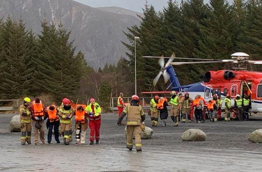 In Norwegen havariertes Kreuzfahrtschiff abgeschleppt