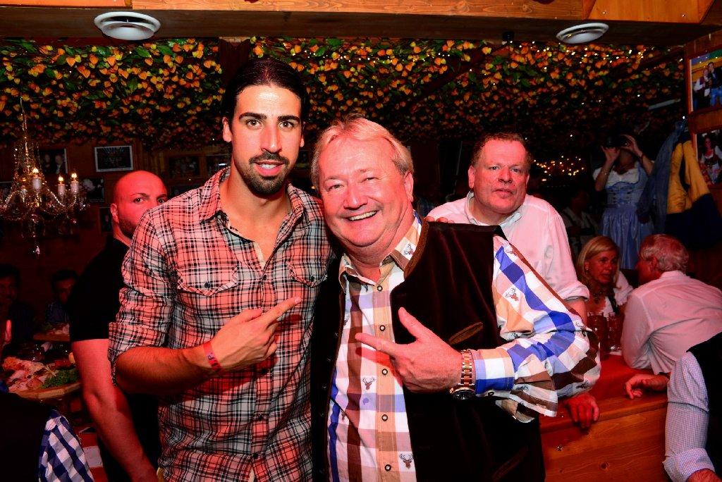 War zu Gast bei Hans-Peter Grandl (rechts): Ex-VfB-Kicker Sami Khedira. Da werden sich vor allem ... Foto: www.7aktuell.de |