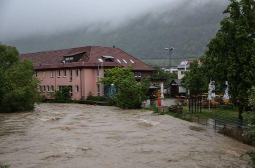 Hochwasser hält Feuerwehr in Atem