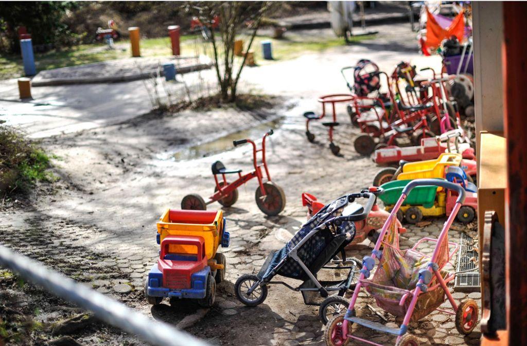 Die Spielflächen in den Kindertagesstätten sind verwaist, wegen der Coronakrise findet nur eine Notbetreuung für wenige Kinder statt. Den Eltern sollen daher weiterhin Gebühren erlassen werden. Foto: Lichtgut/Max Kovalenko