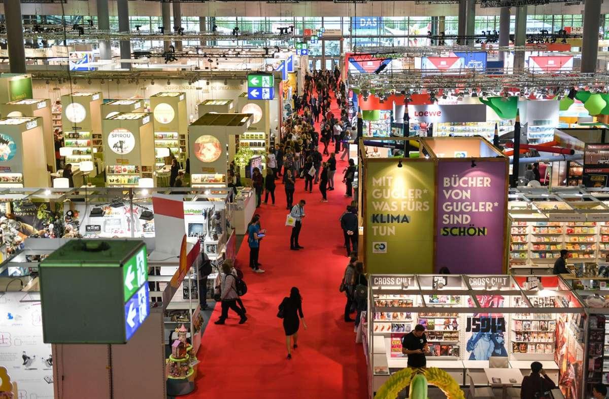 Mehr als 1500 Aussteller werden dieses Jahr auf der Frankfurter Buchmesse erwartet. (Archivbild) Foto: dpa/Jens Kalaene