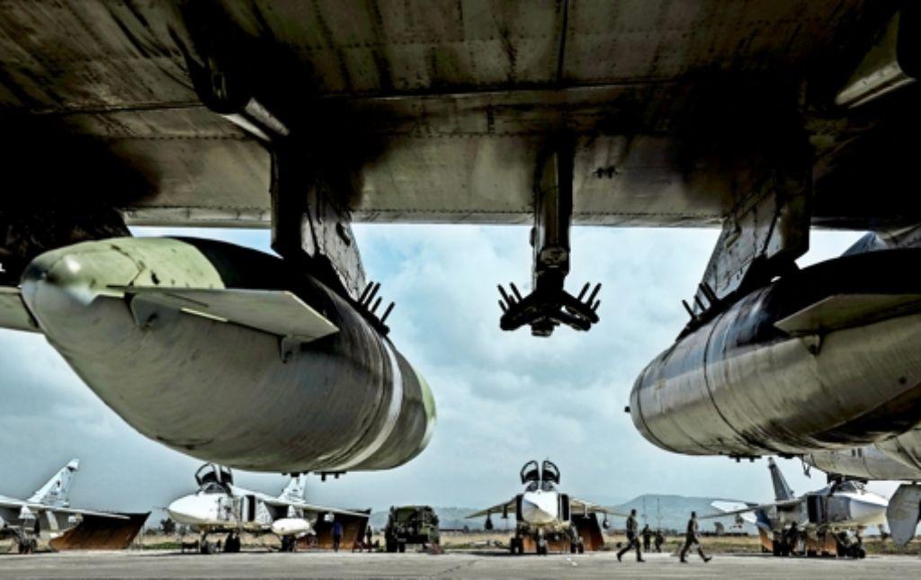 Bereit für den Heimflug: russische Kampfjets auf der Basis im syrischen Hmeimim Foto: