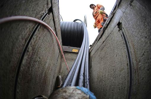 Glasfaserkabel zu  20 000 Haushalten und Firmen gelegt