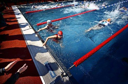800 Teilnehmer schwimmen, laufen, radeln