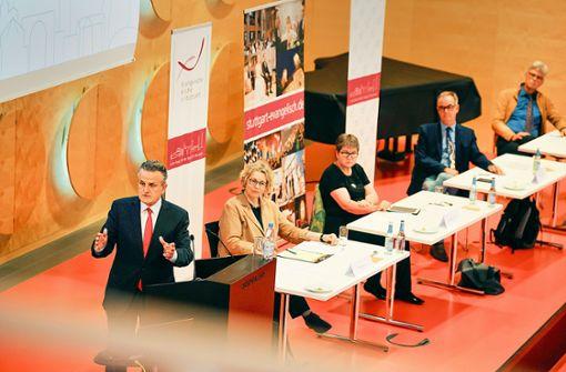 OB würdigt die   Rolle der Kirche für Stuttgart